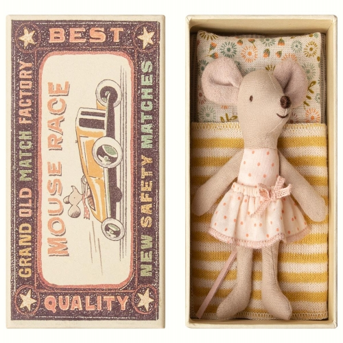 Maileg Little Sister Mouse new for Autum Winter 2018. Gorgeous Scandi maileg mouse in her litle matchbox house. makes a wonderful collectors item.
