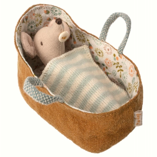 Maileg baby Mouse in carrycot_resized